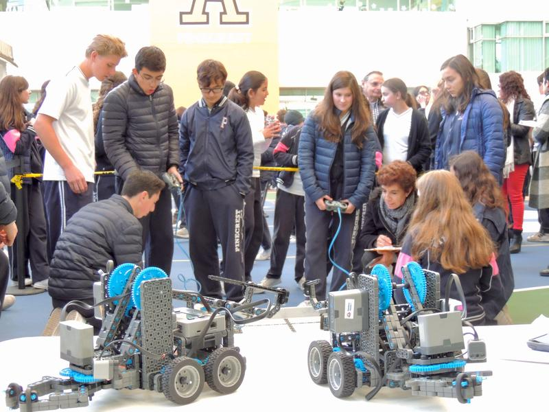 Primera feria de robótica Pinecrest Featured Photo