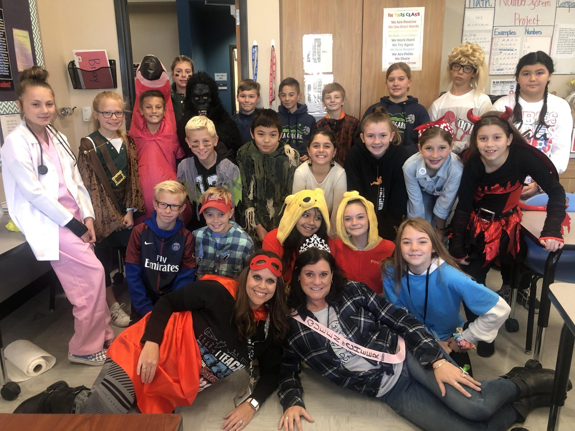 6th Class Costumes