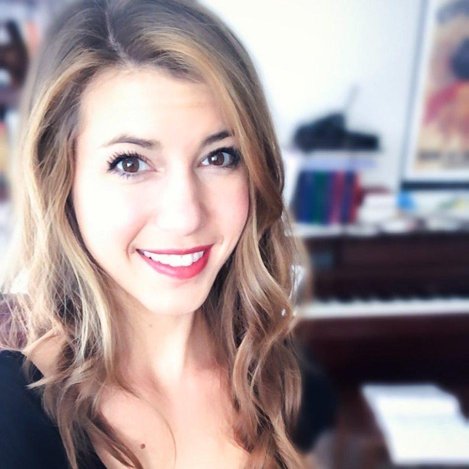 Julie Hoeltzel's Profile Photo