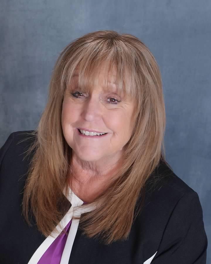 Teresa McFarland, Principal