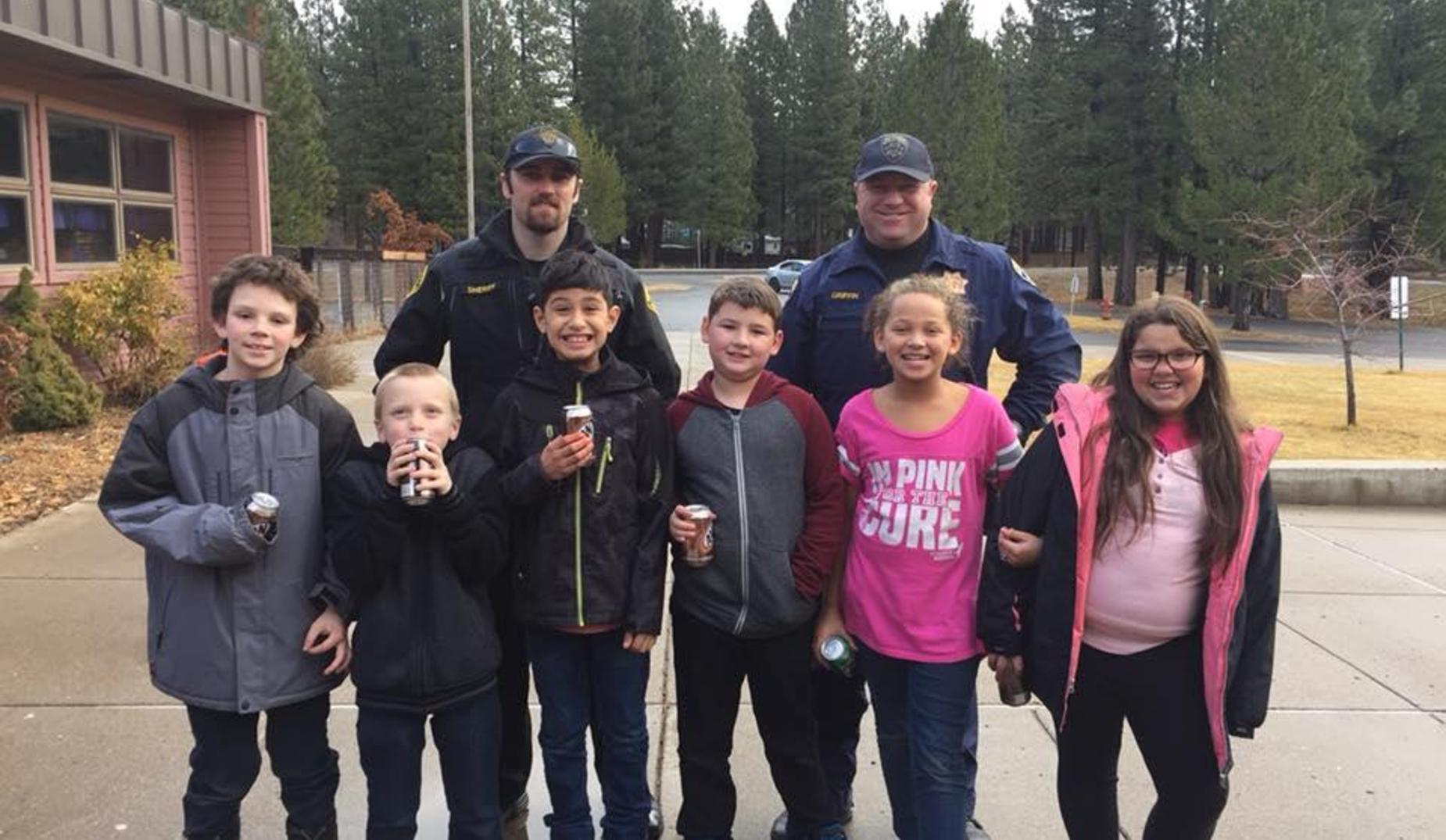5th graders enjoy a Pop with a Cop