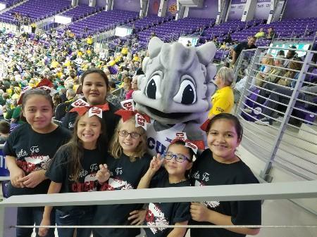 Santa Fe Students with TCU mascot