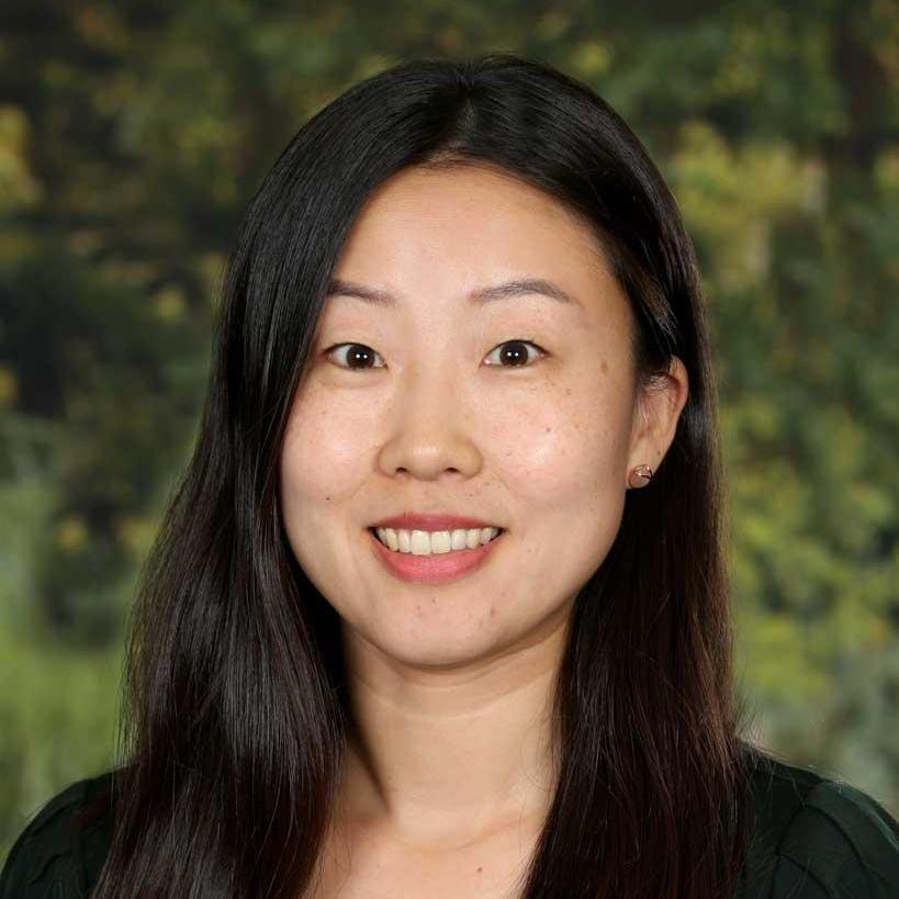 Duk Hee Lee's Profile Photo