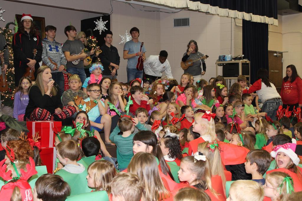 students at Christmas program