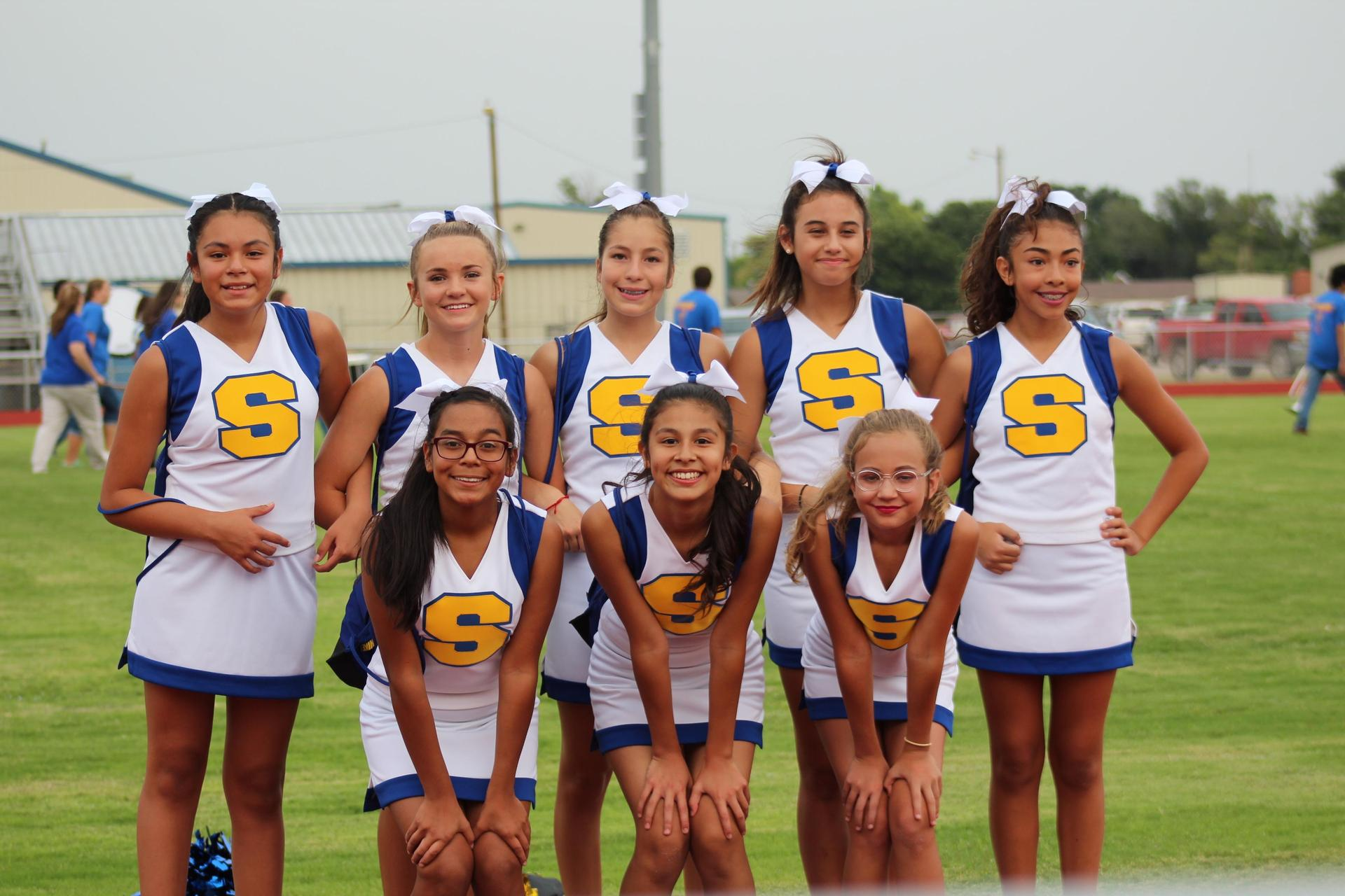 Sunray Jr. High Cheerleaders at Meet the Bobcats