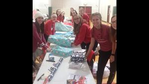 Interact Club wraps gifts