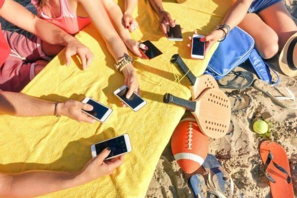 10 Ideas for Limiting Technology This Summer! Thumbnail Image