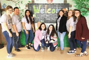 college student volunteers