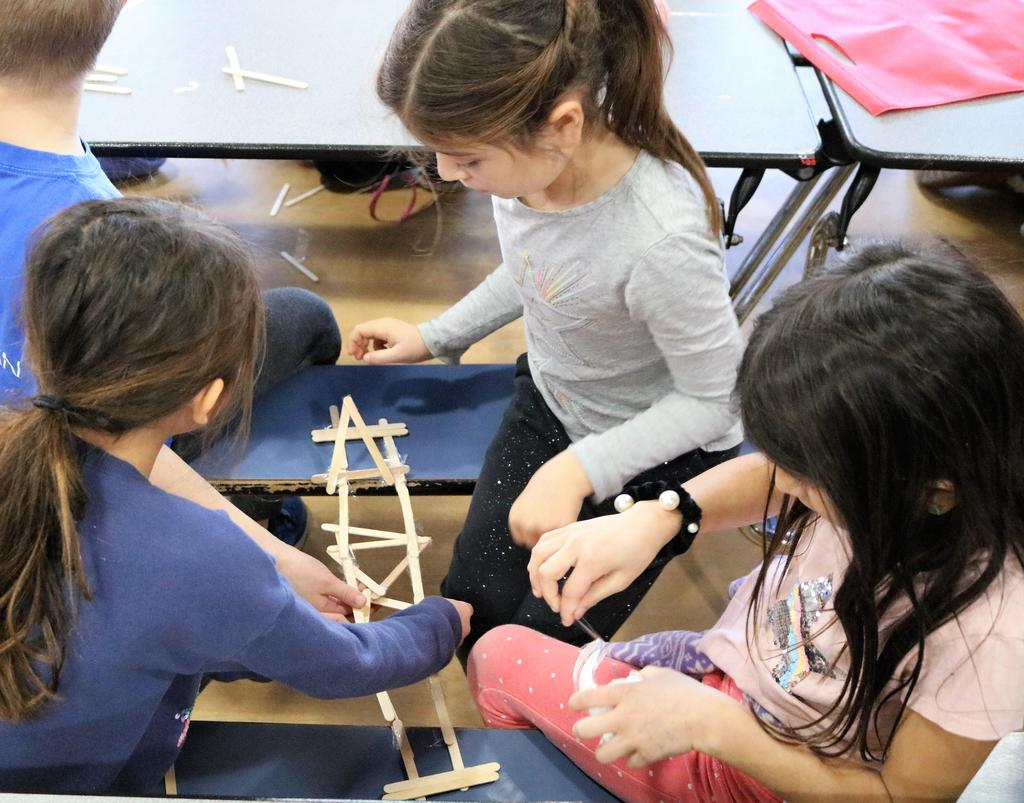 Photo of Tamaques 2nd graders participating in design challenge as part of STEAM Day.