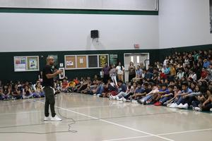 Speaker Jeremy Anderson speaks to Citrus School students