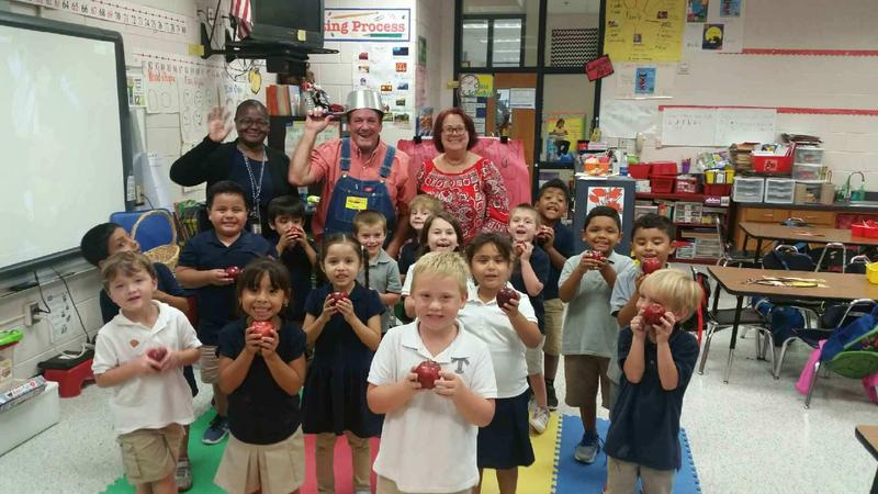 Johnny Appleseed Visits Kindergarten Featured Photo