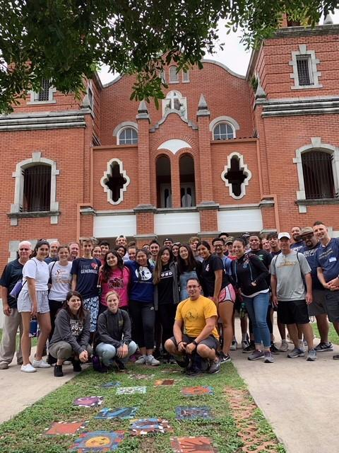 Seniors Participate in Holy Cross Immersion Experience in San Antonio Featured Photo