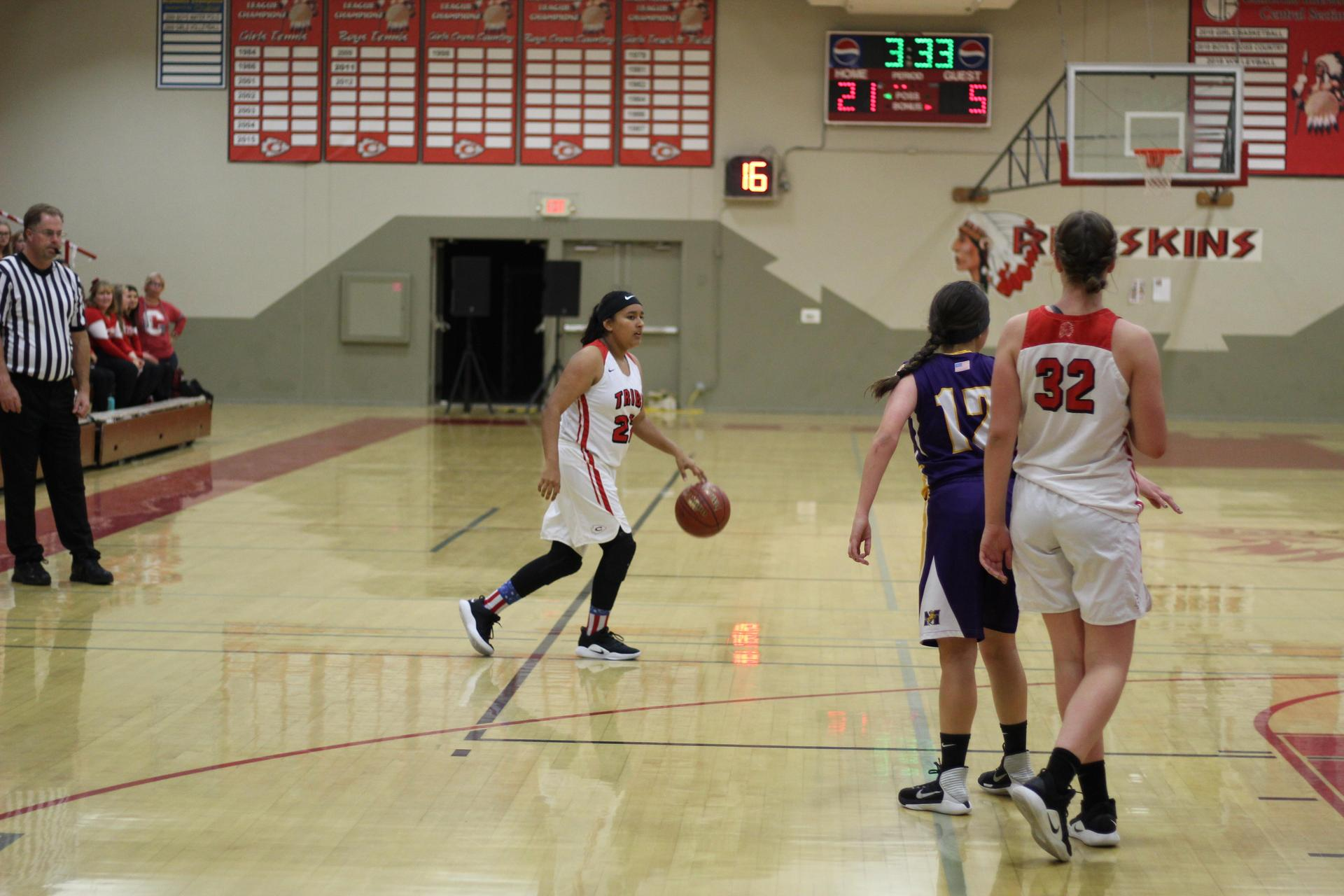 Paulina Granados with the ball