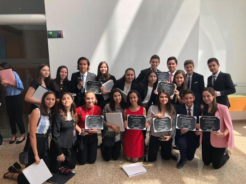 MUN winners at IPADE Featured Photo