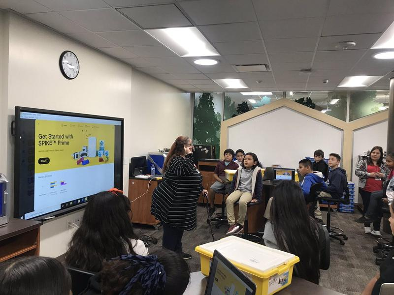 SPIKE Prime engages students through playful learning to think critically and solve complex problems, regardless of their learning level - while having fun.