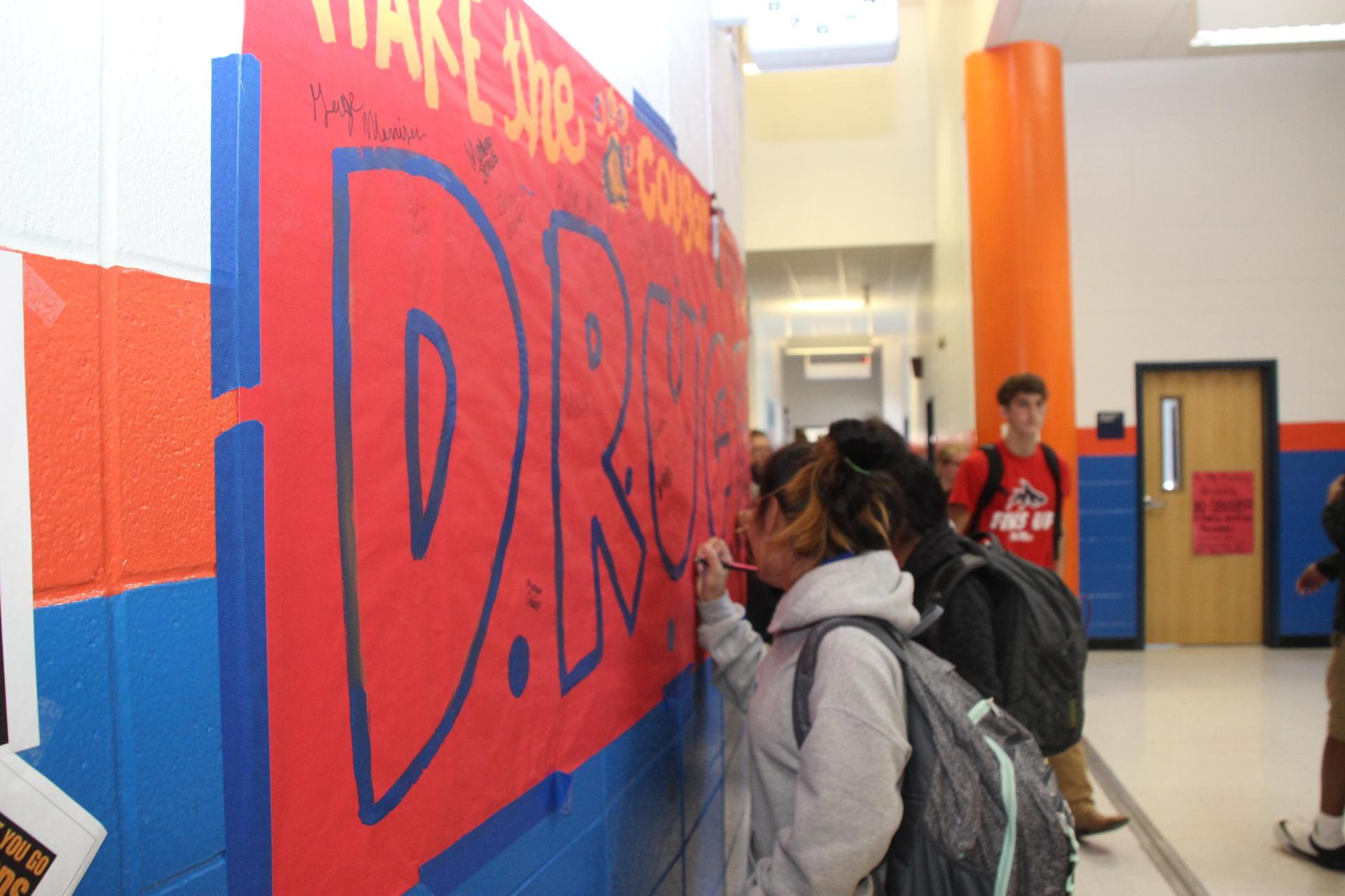 Drug Free Pledge Signing