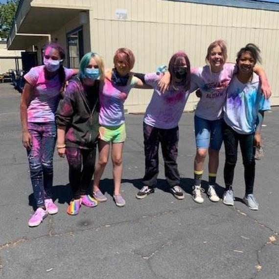 students during the color run