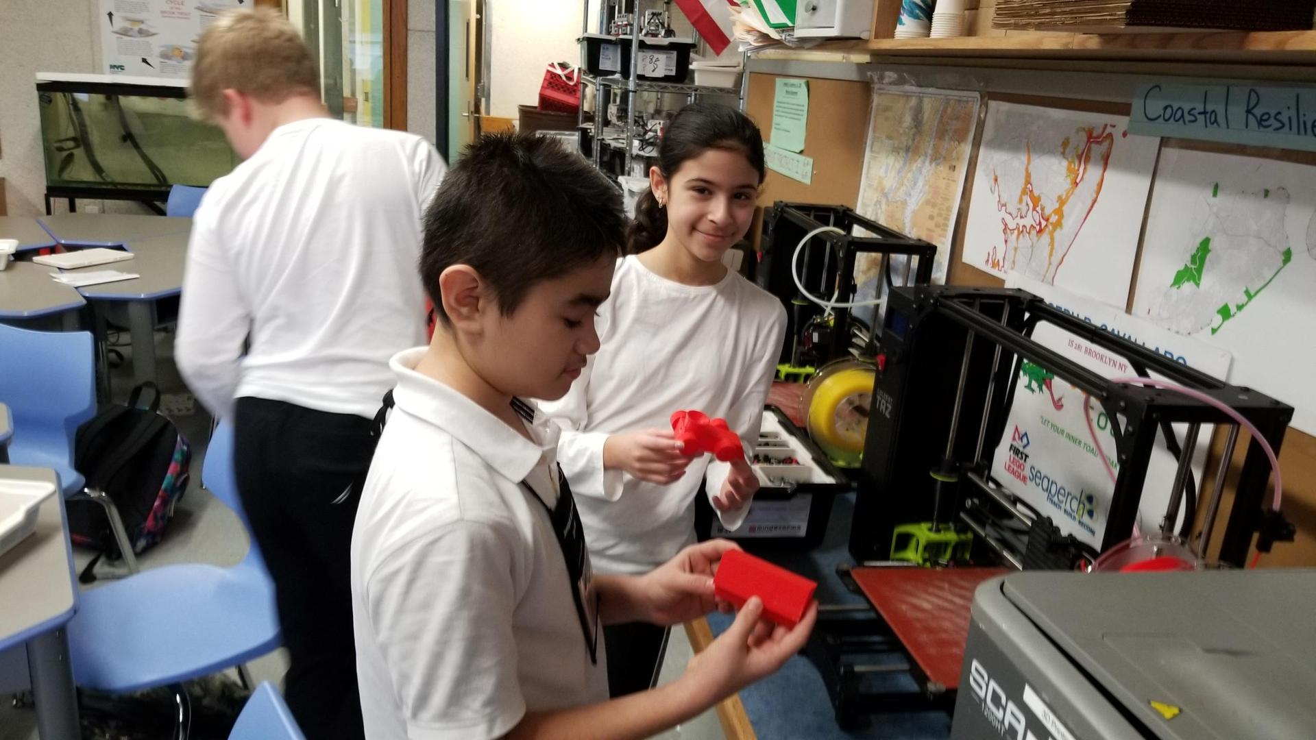 STEM Engineering - Photo - 3D printing
