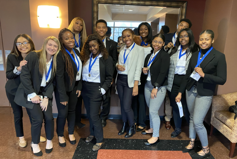 DECA Qualifies 18 for State Competition Featured Photo