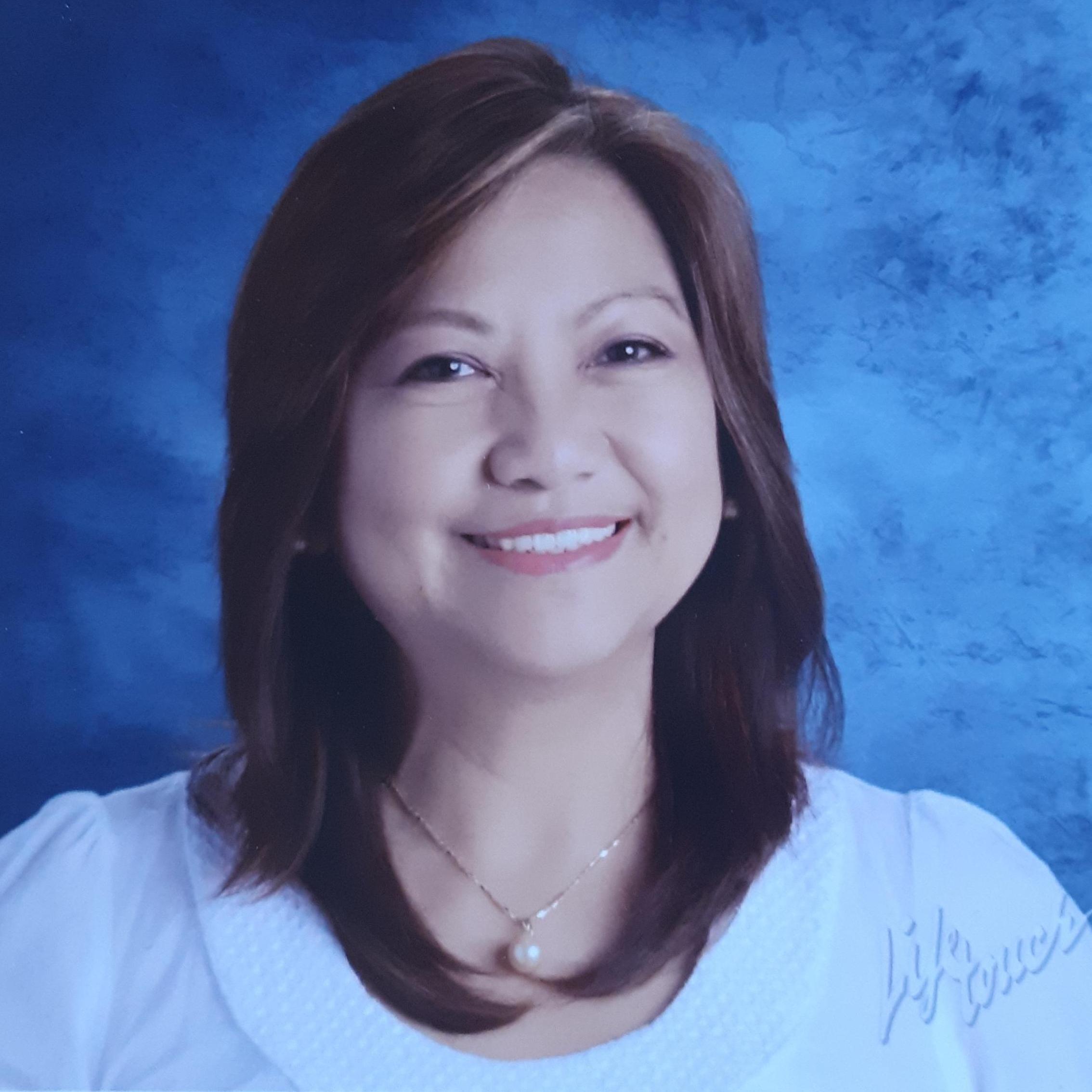 Lourdes Esteves's Profile Photo