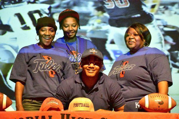 FOOTBALL: May to Tulsa, Pham to Lamar among 15 Titan signings Featured Photo