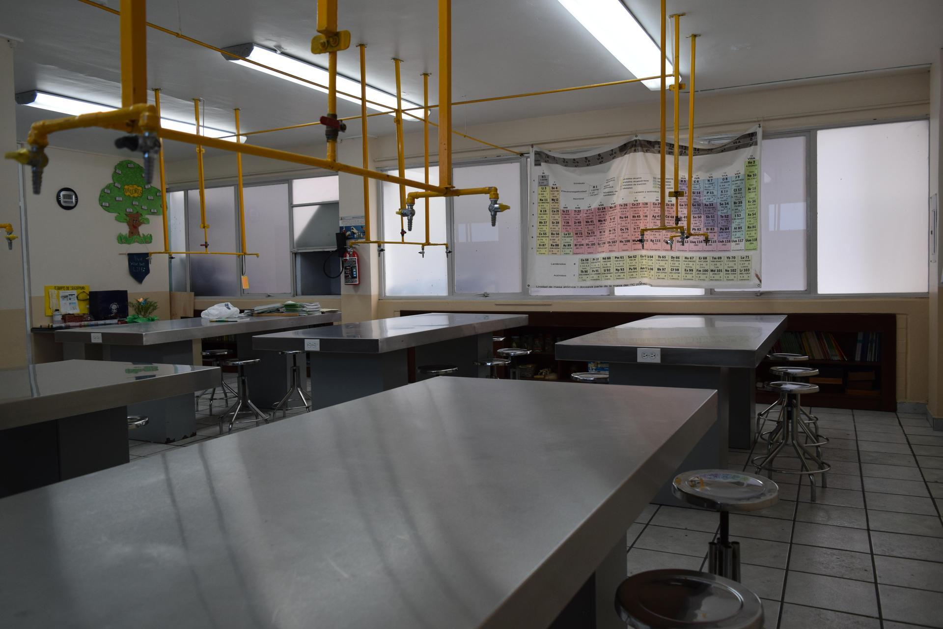 Colegio Sara Alarcón Laboratorio