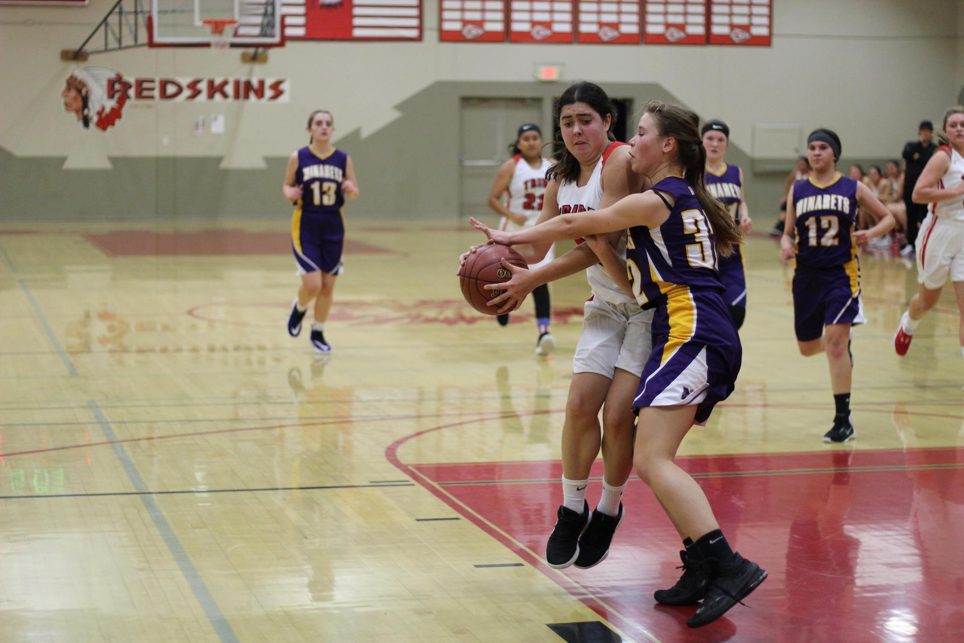 Sydni Ringeisen dribbling the ball