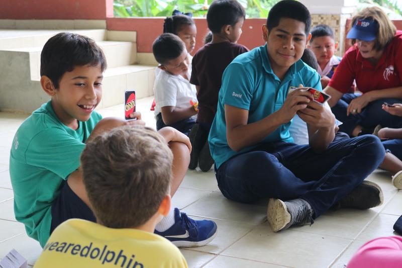 Elementary School Students Visit Sister School in El Valle Featured Photo