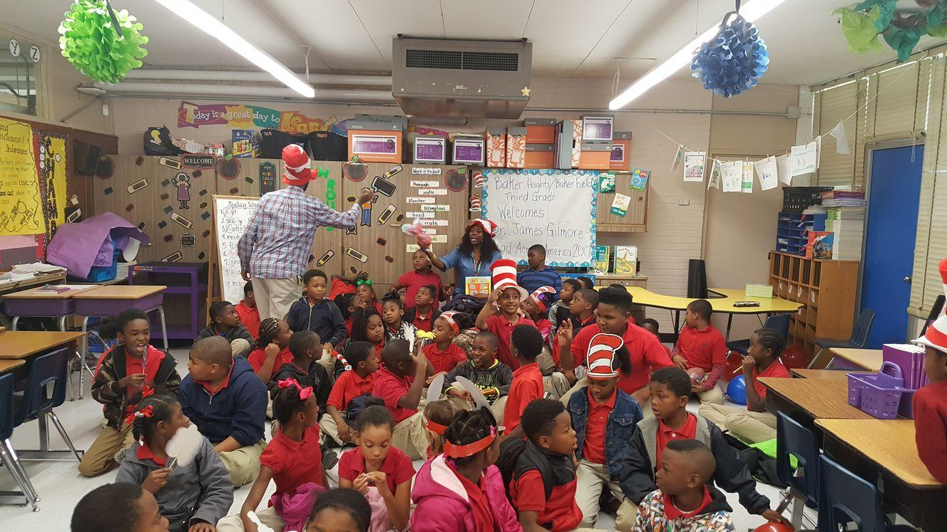 Cat In The Hat with classroom of children on reading