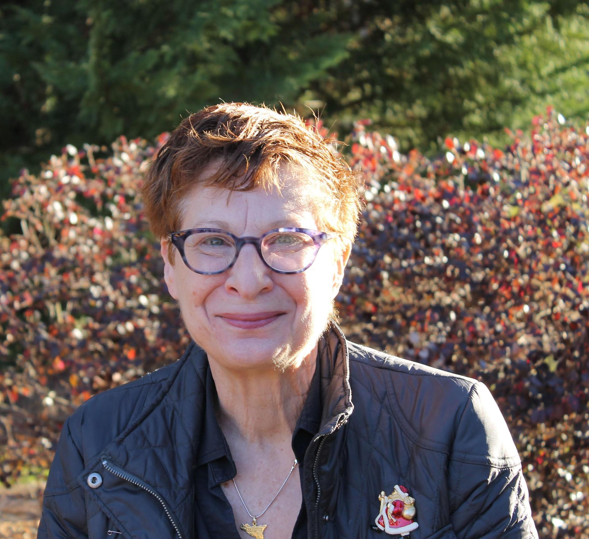 Headshot of Lisa Walker