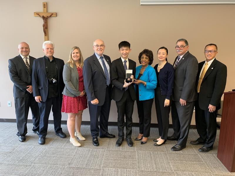 Rep. Maxine Waters Presents Congressional Award to Thomas Li '19 Thumbnail Image