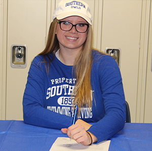 Hannah Nyquist Signs with Southern Connecticut State University Featured Photo