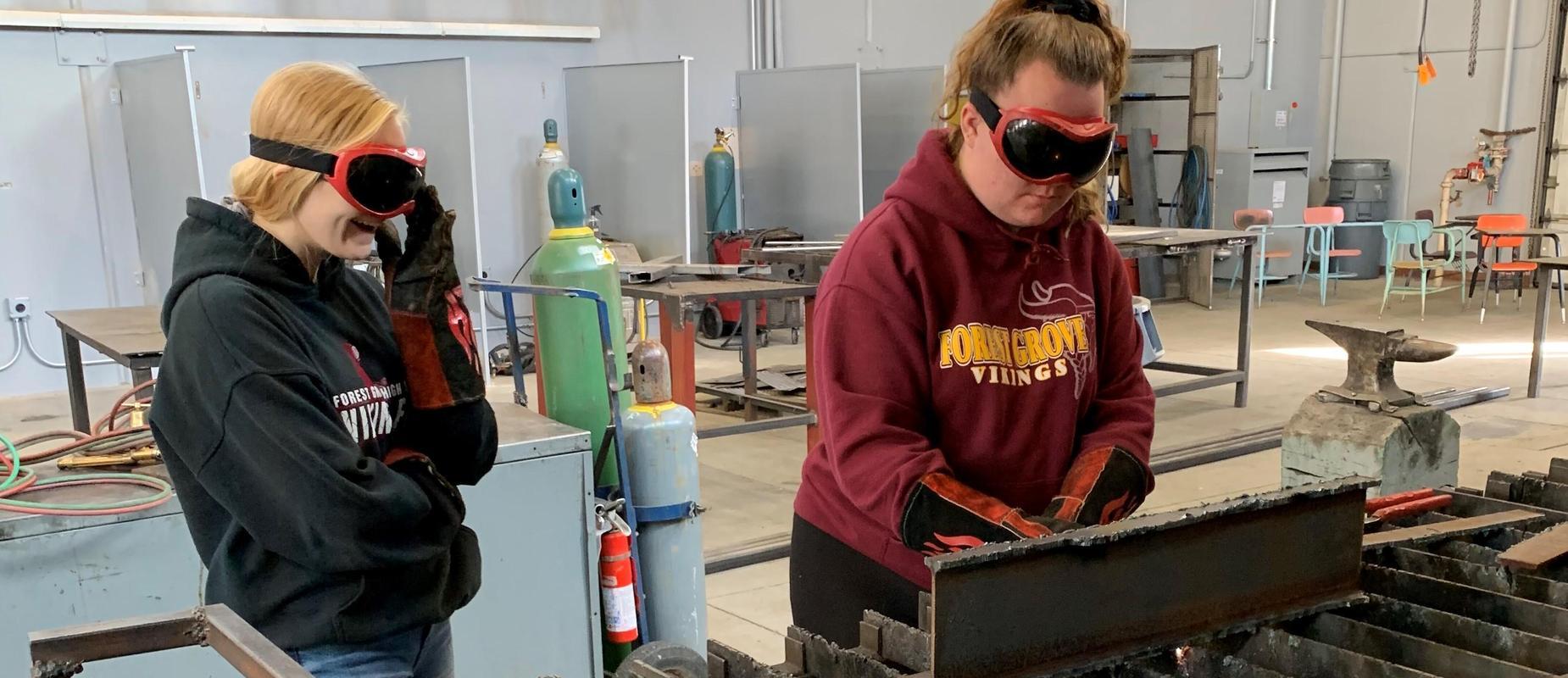 2 Girls in Welding Class