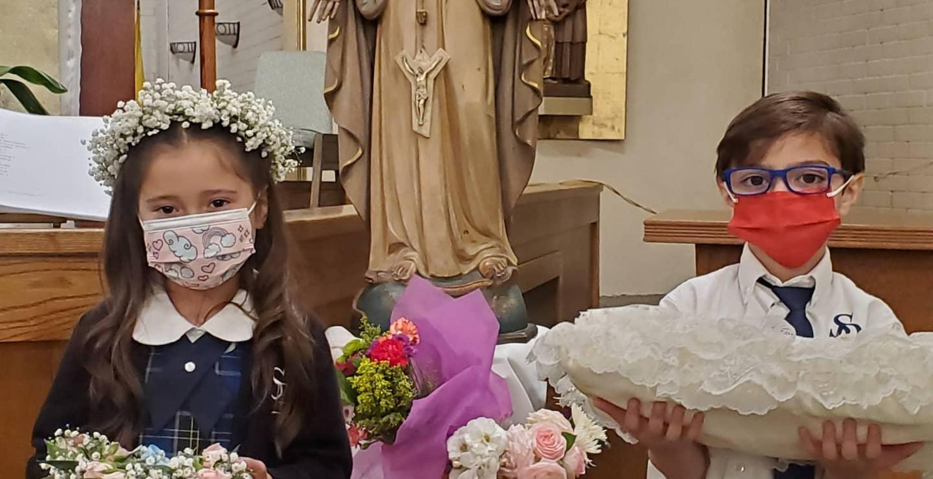 First Graders honoring Mary