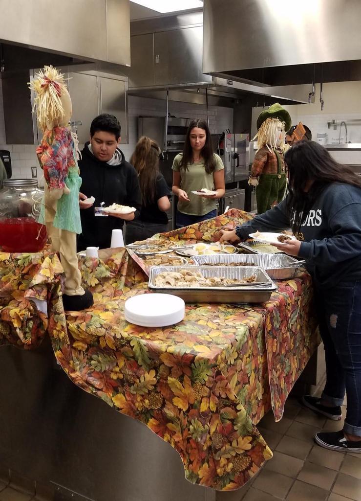 Thanksgiving Dinner 2018-2019