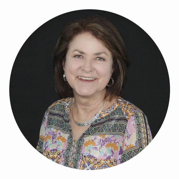 linda dueser, instructional technology/library coordinator