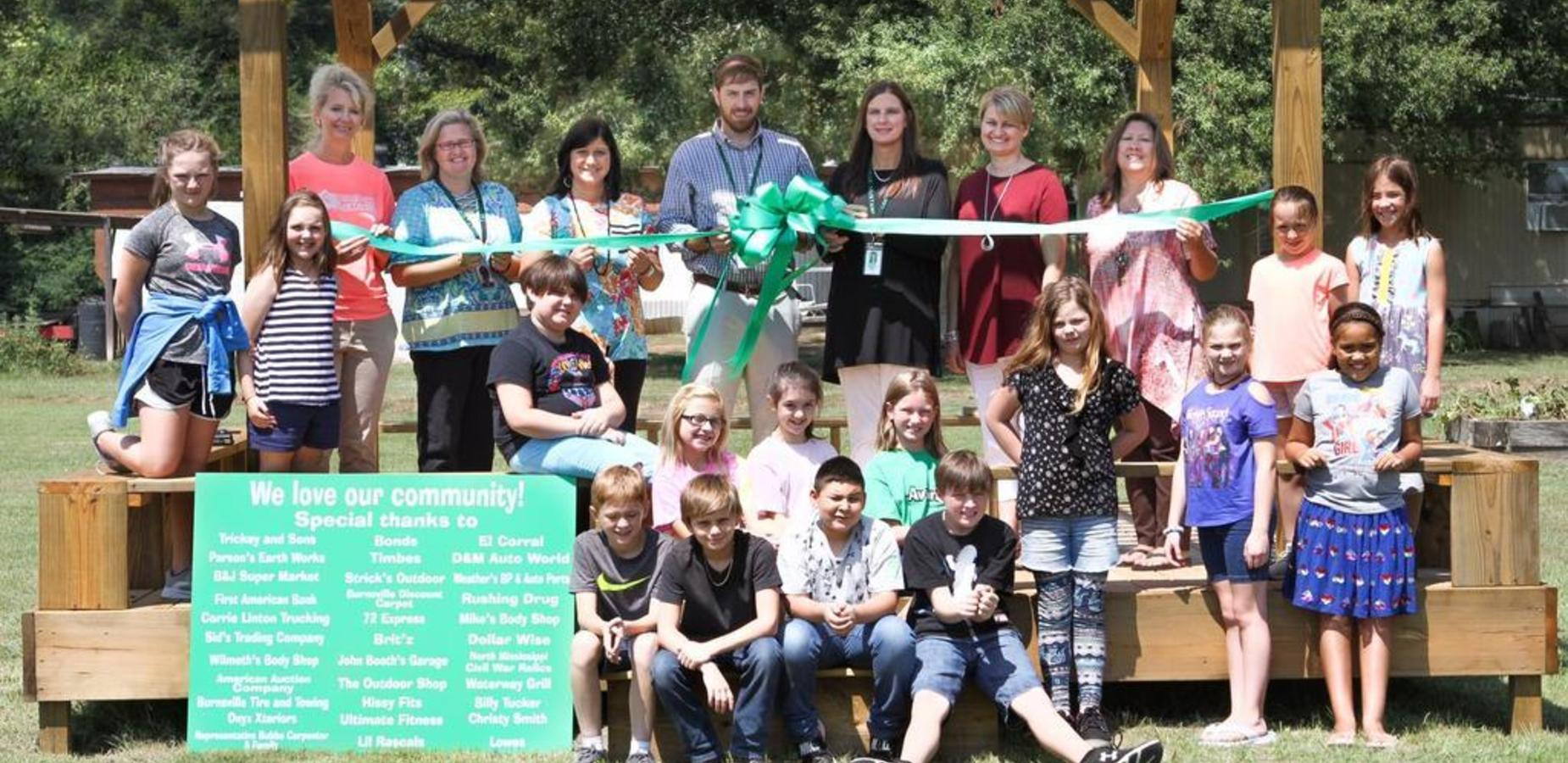 Burnsville Community Donates to help build an Outdoor learning classroom