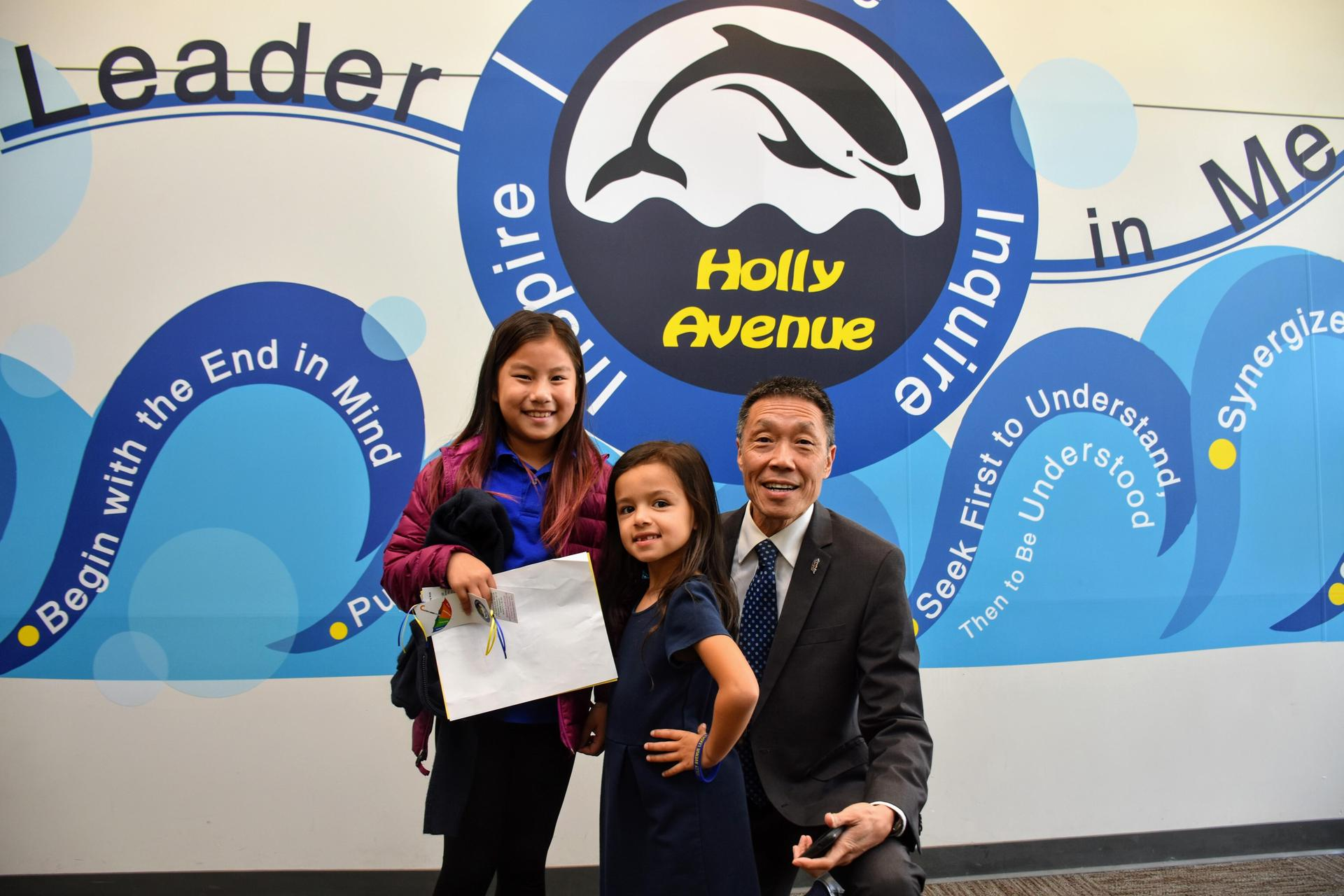 Arcadia Unified Board Member Fenton Eng with Holly Avenue students