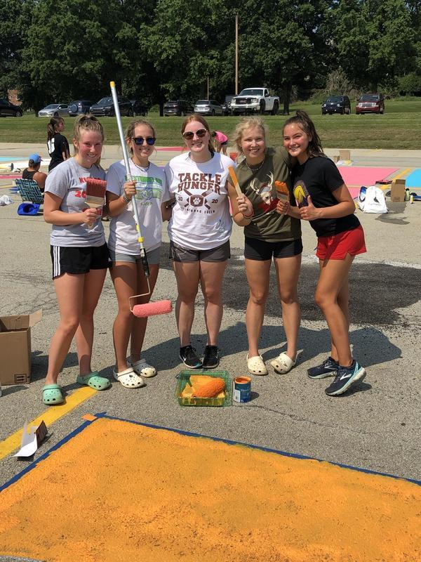 Seniors paint the parking lot