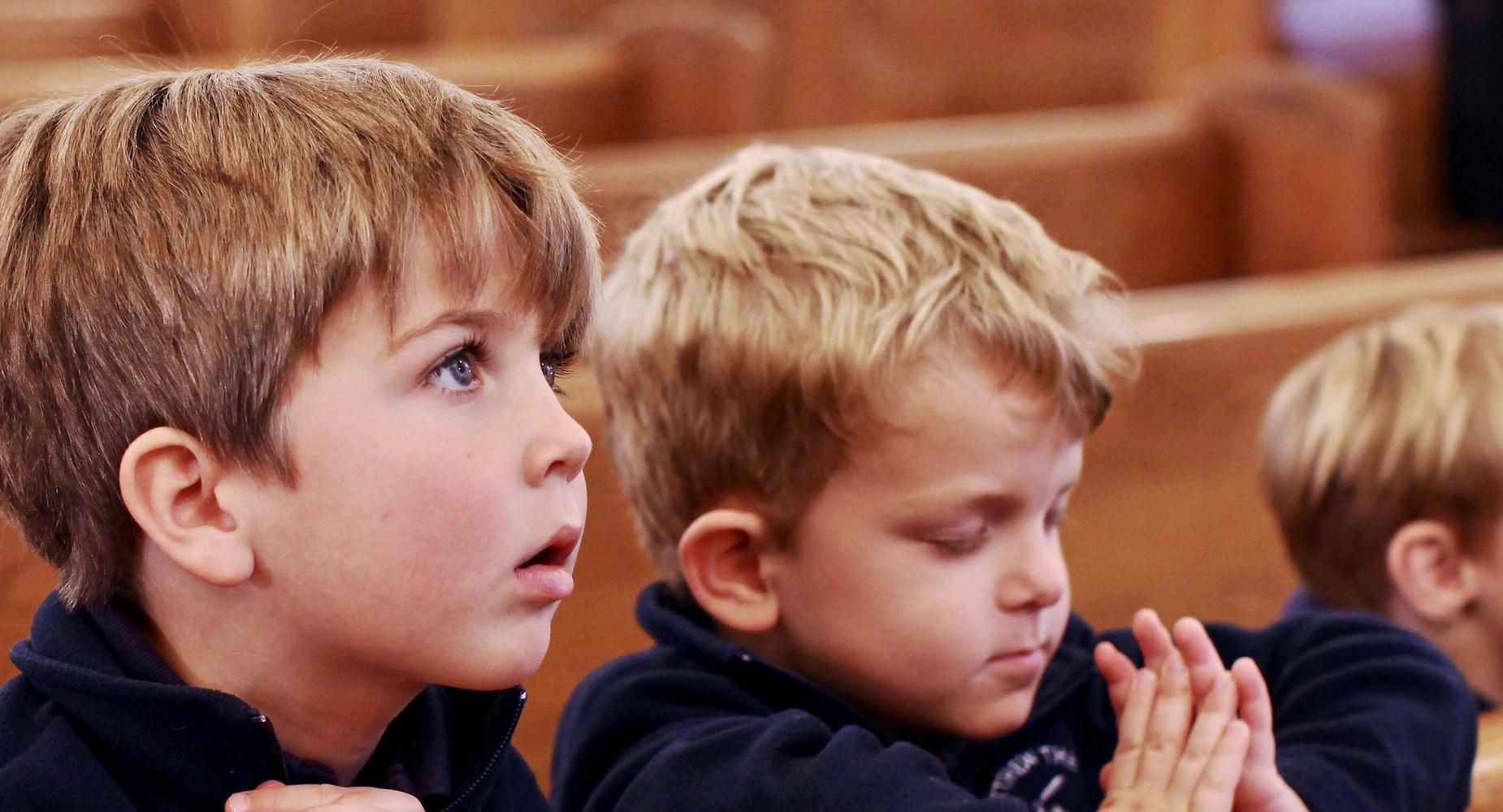 Kids praying