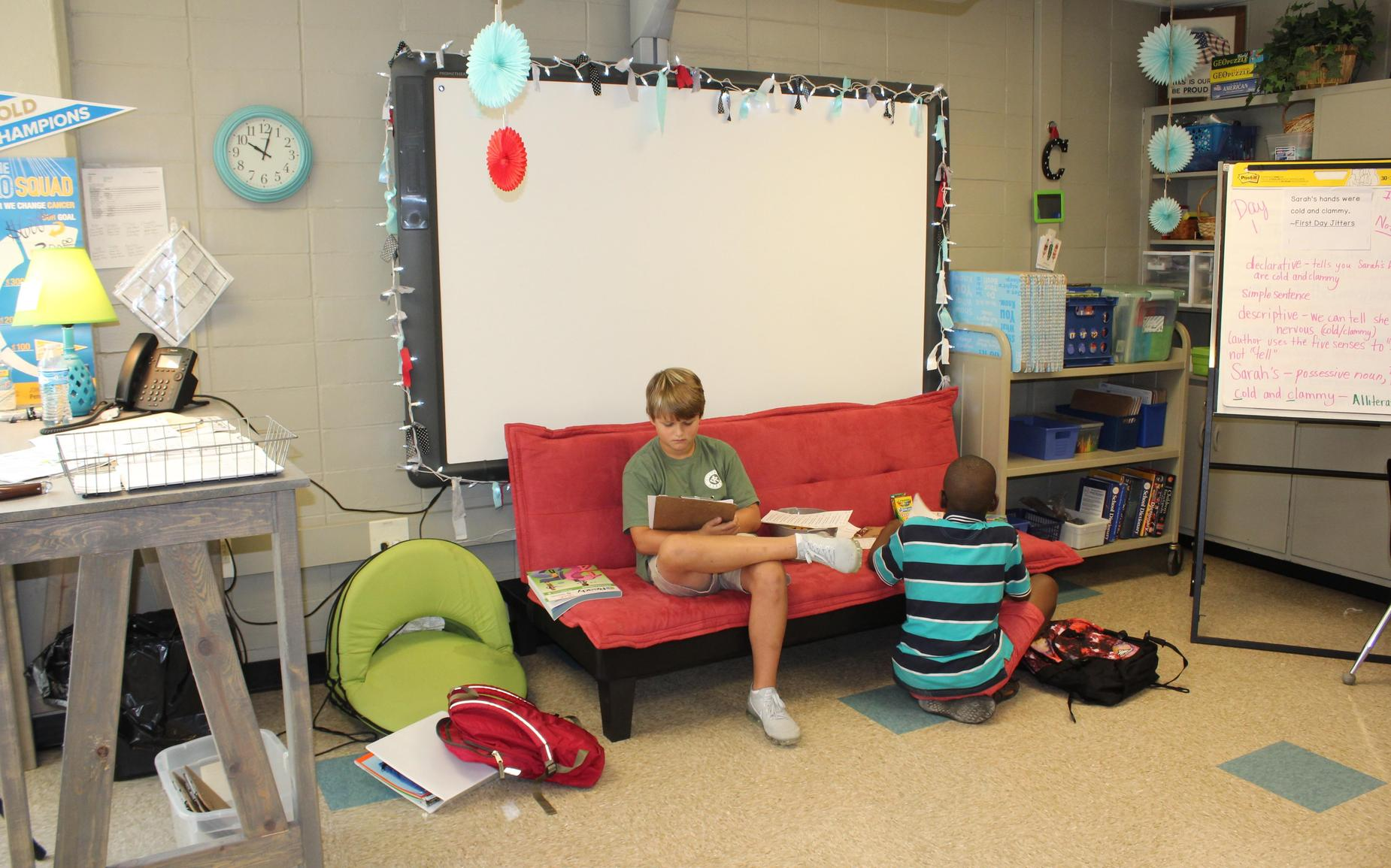 Students take advantage of Alternate seating at CMS