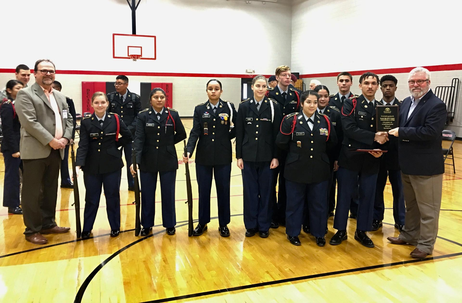 Mayor of Hartselle recognizes unit for Veterans Day Parade