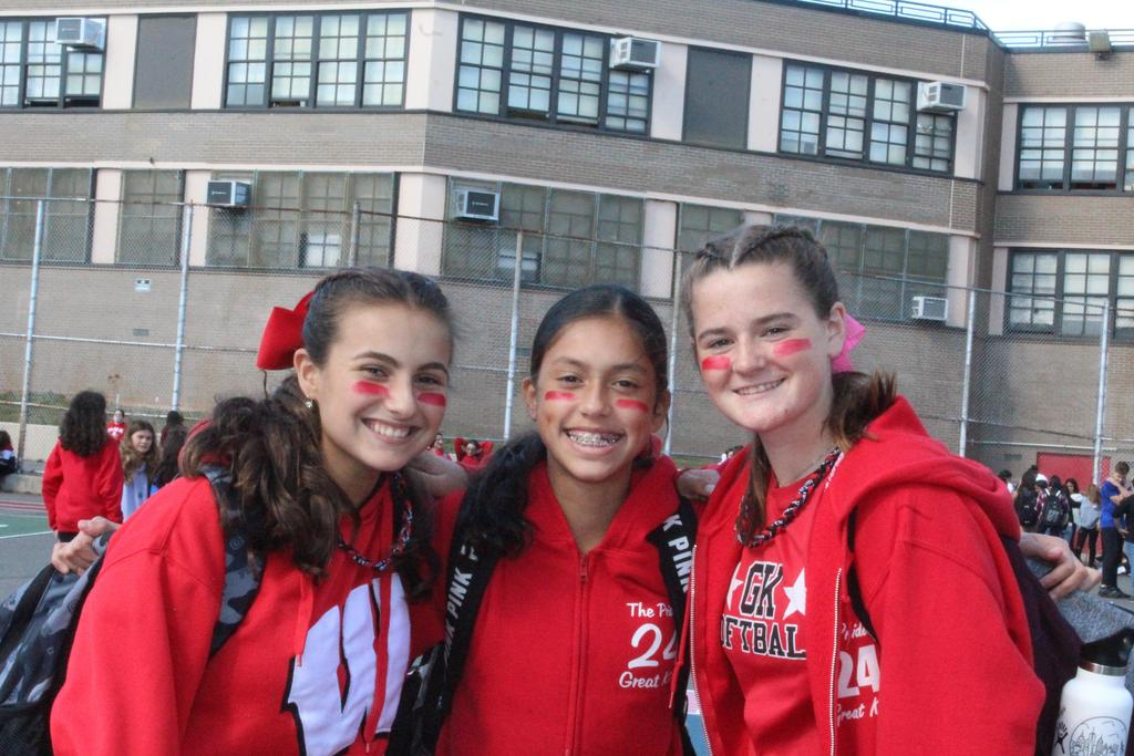8th graders wear red