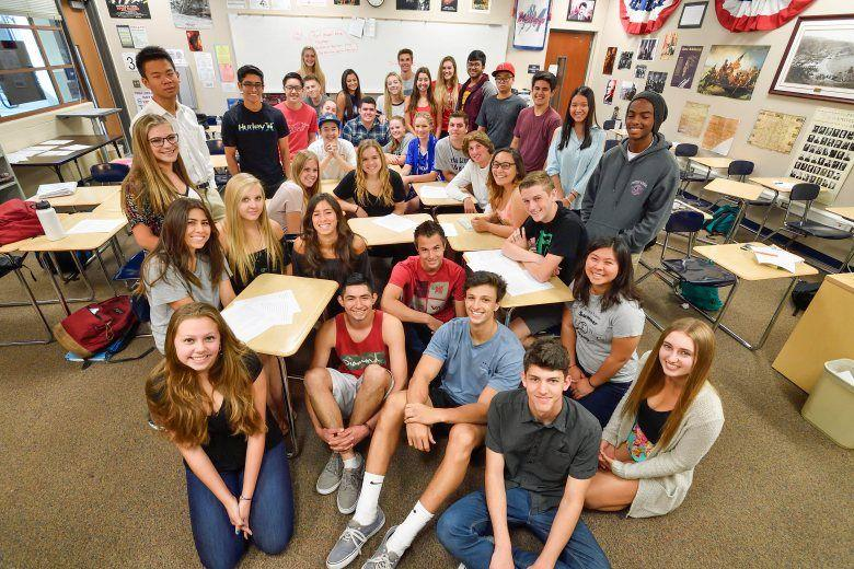 Entire class of students who particpated in the Vietnam veteran's project