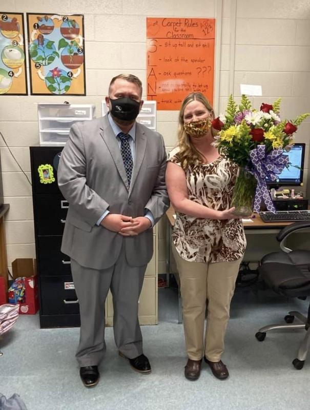 2020-2021 Jefferson Elementary Teacher of the Year Featured Photo