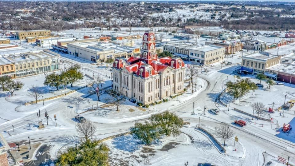 Photo of Weatherford Courthouse During Snow Event