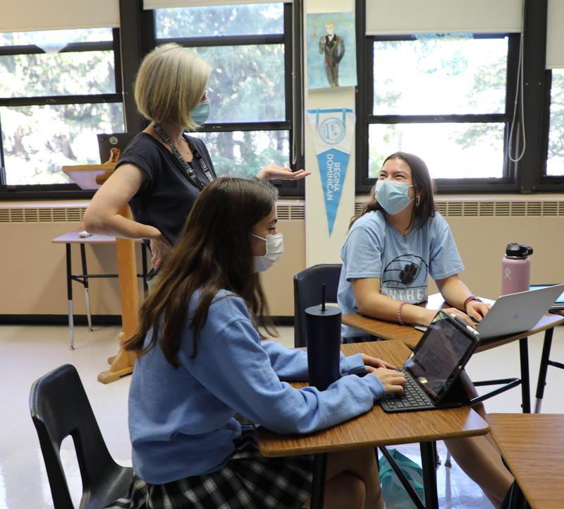 Regina Dominican Leadership Institute Scholars & Service Learning Featured Photo