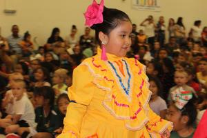 Cooke student at Cinco de Mayo event