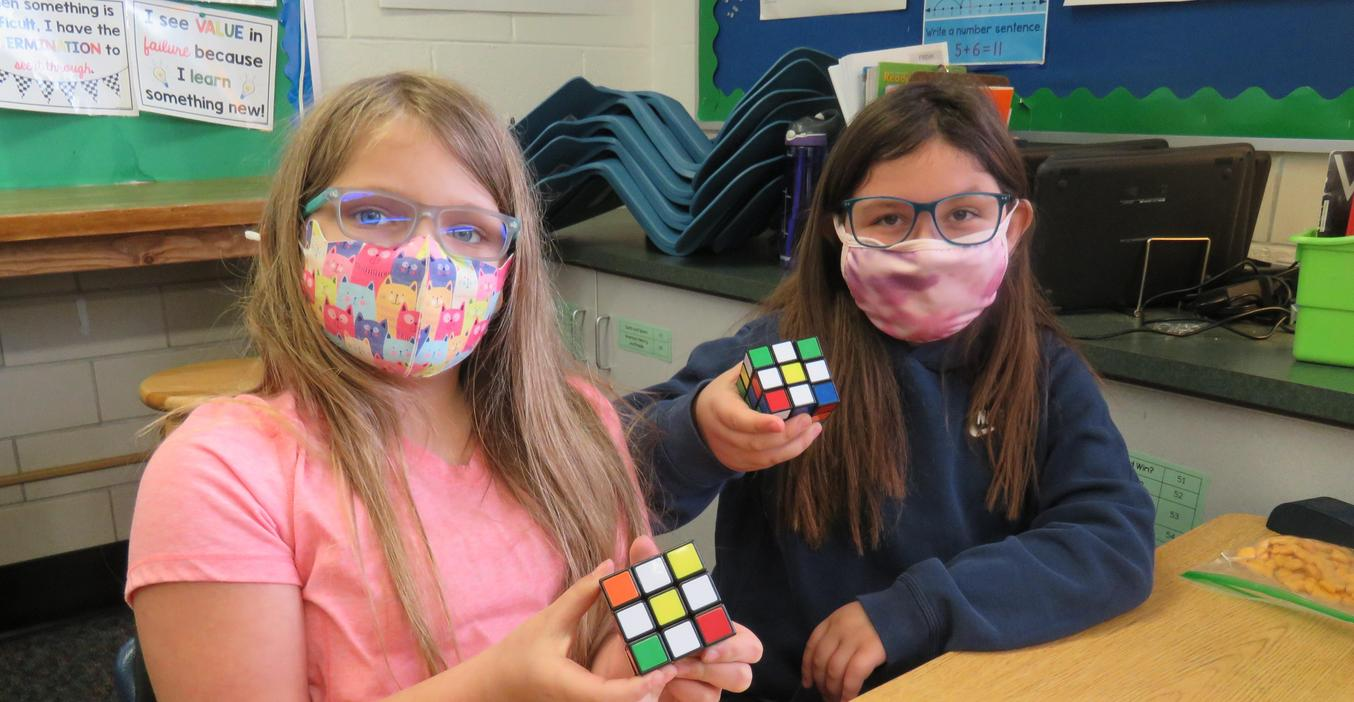 Lee students learn to solve the Rubik's Cube and make different patterns.