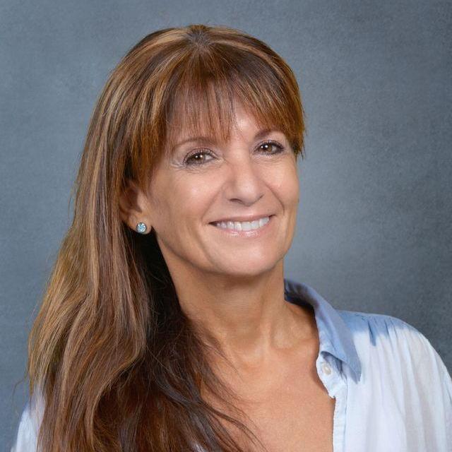 Marcela Toussaint (delSolar)'s Profile Photo